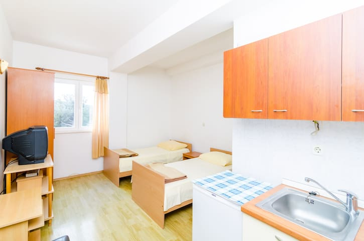 Smanjak - Cute studio apartment 1