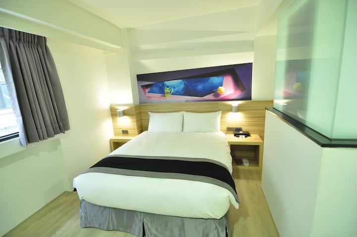 雙人房 3D視覺設計旅館 近忠孝夜市/火車站/中興大學