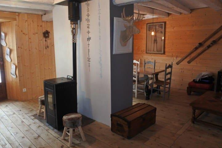 Charmante maison de montagne 9 couchages - Formiguères - Rumah