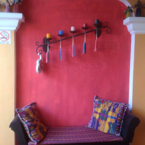 Cute colonial style apartment in central Antigua - Antigua Guatemala - Flat