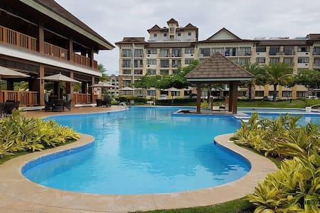 "Resort Condo ""One Oasis"" Cebu [2 Bedrooms I WIFI ]"