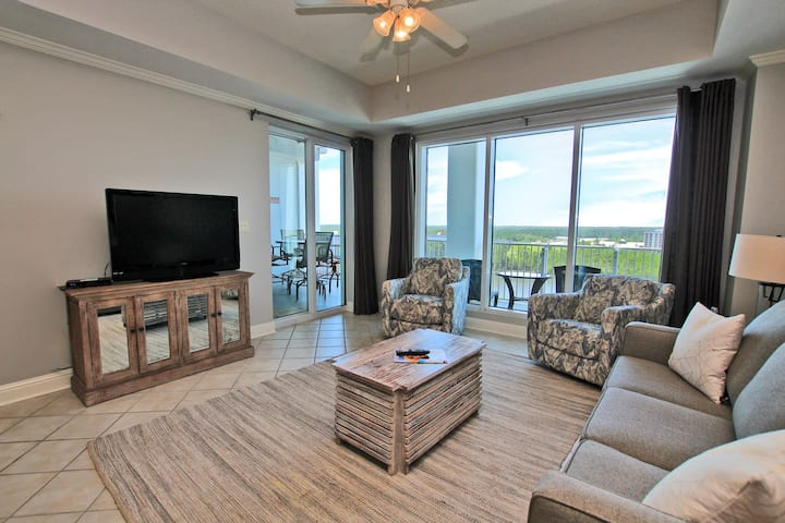 Wharf 914- Newly updated furnishings. Gorgeous views from your private balcony and exclusive use of the outdoor water park!