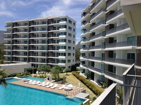泰国海滩前沿度假村公寓