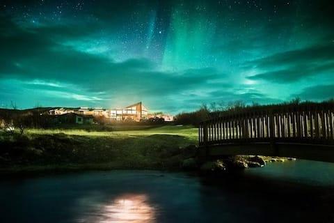 Húsafell, Iceland, cozy cottage w/hot tub