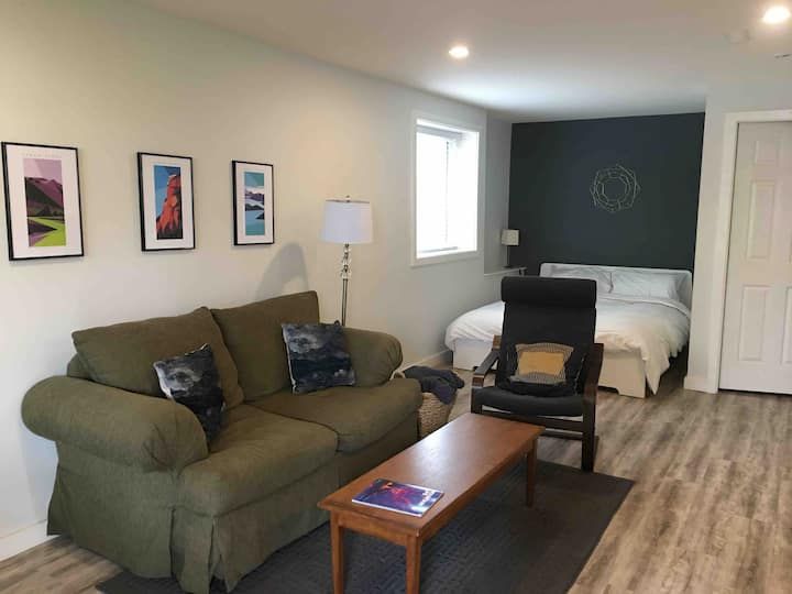 Studio in Squamish-trails & shops at your doorstep