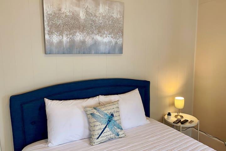 Cozy Room! Amazing Location! Great Price! #3