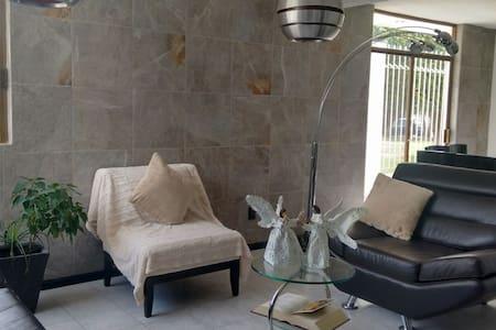 Casa Ejecutiva - Celaya - Maison