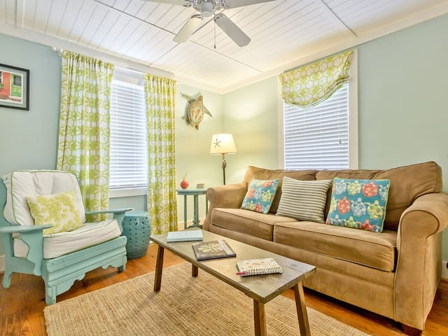 Charming 1950s Renovated Beach Cottage, Pet Friendly with Fenced Yard - Mellow Yellow
