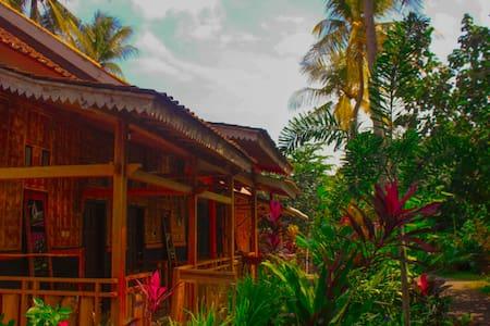 Pandan Arum Red island Room 3