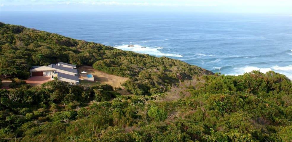 Cliff edge, Sea Side Villa