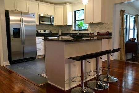 BEAUTIFUL VERY CENTRALIZED JACKSONVILLE HOME!!!!!! - Jacksonville - Rumah