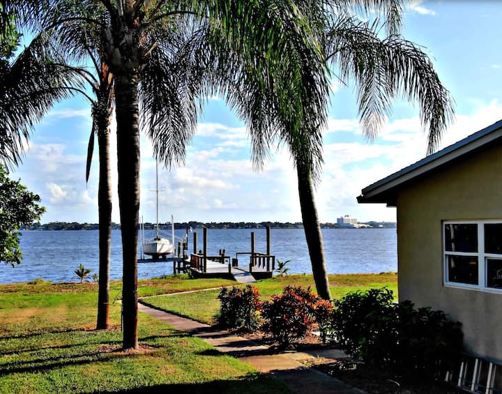 2/2 House on Intracoastal with dock!