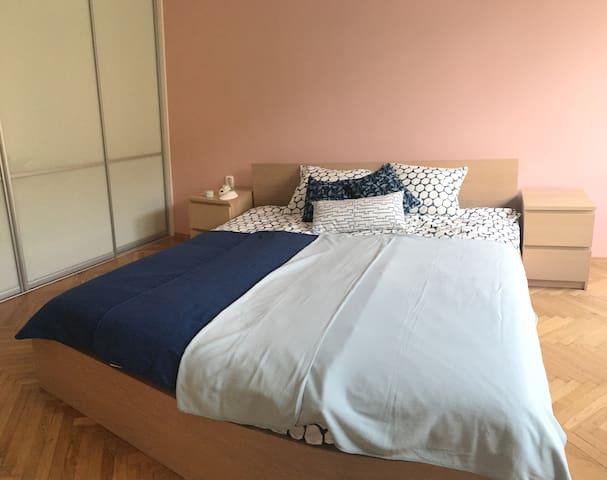 Comfy Spacious Cosy Central 2BD Apartment