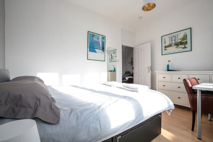 Central London in 18mins Modern Double room
