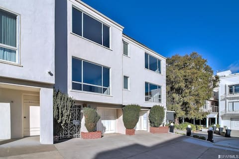 Gorgeous Home with Large Golden Gate Bridge Views!