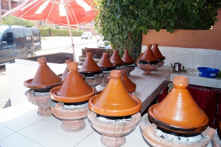 Several lunch restaurants in Imi Ouaddar - great spot for a tagine - the locals' favourite