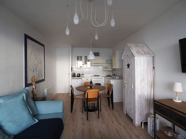 Superb 1 bed sea front appartment