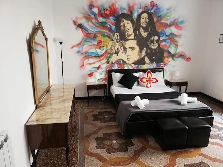 Leone X Genova - Room Superior bagno in comune