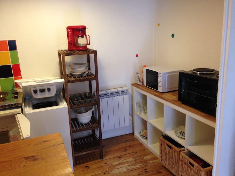studio proche fac flats for rent in saint tienne auvergne rh ne alpes france. Black Bedroom Furniture Sets. Home Design Ideas