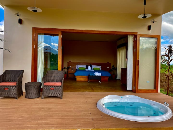 Magic Villa Arenal & Private Jacuzzi