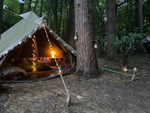 Bell Tent Glamping Single unit, self contained.