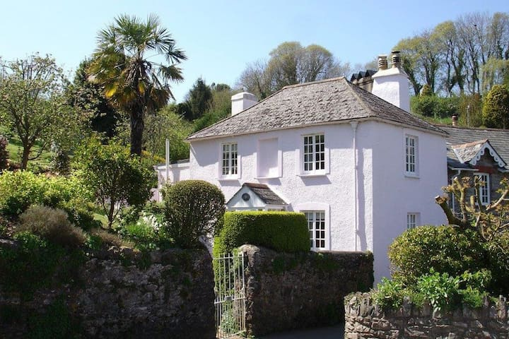 Thornwell Cottage