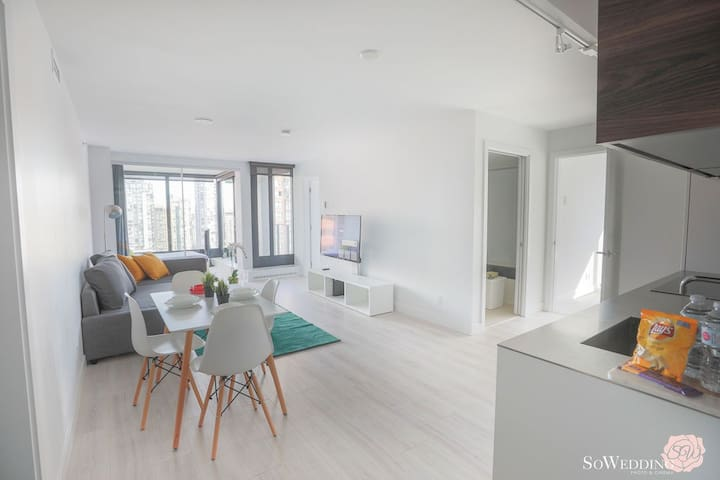 HeartofDT!4 Bed+2BA+Central AC+Parking, Sleeps 4-8
