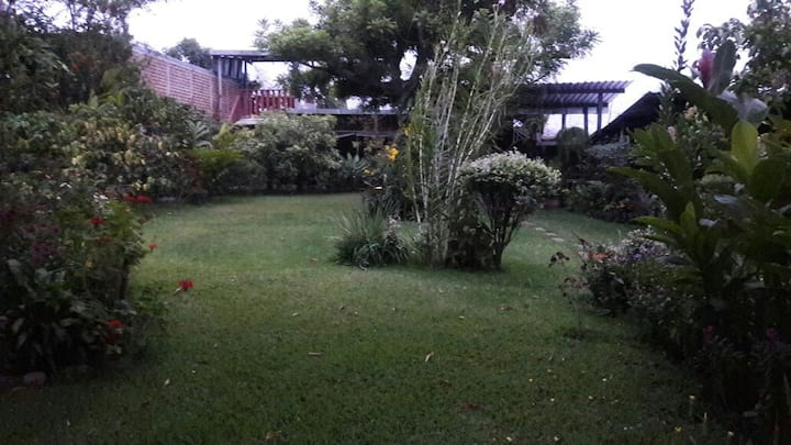 Acojedora Casa de Campo B y B