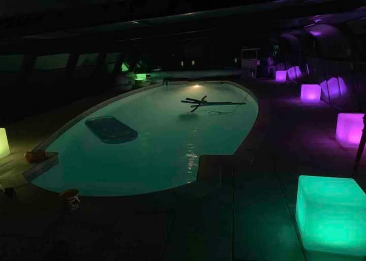 Chambre 2 pers Sdb ds maison piscine 28 spa a 38
