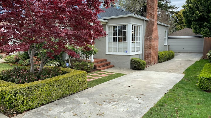 Remodeled Bungalow - Great Location