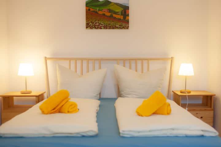 """Bioweingut Bertram Isele, (Vogtsburg-Achkarren), Ferienwohnung """"Schloßberg"""" mit 35 qm, 1 Schlafzimmer für max. 2 Personen"""