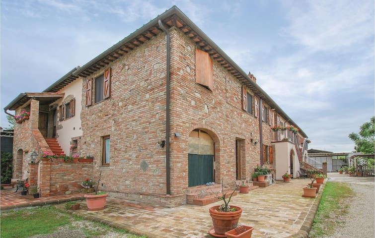 Holiday apartment with 2 bedrooms on 85m² in Castelfiorentino -FI-