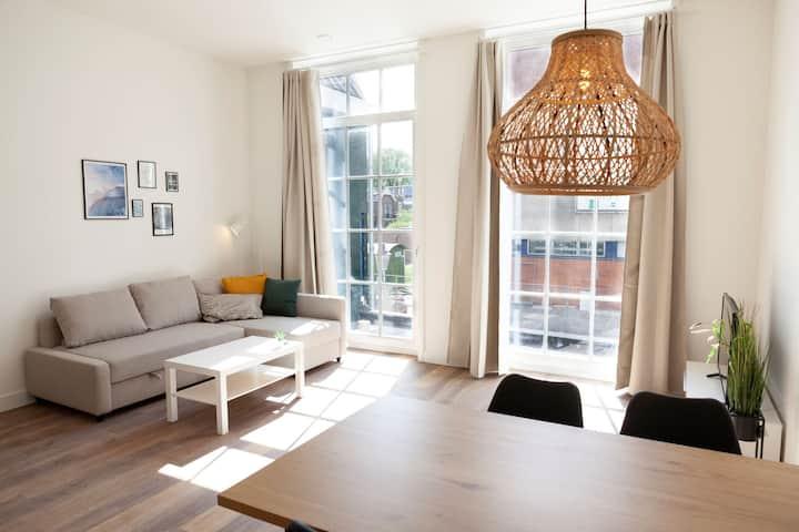 Zaans appartement op unieke locatie! 50D