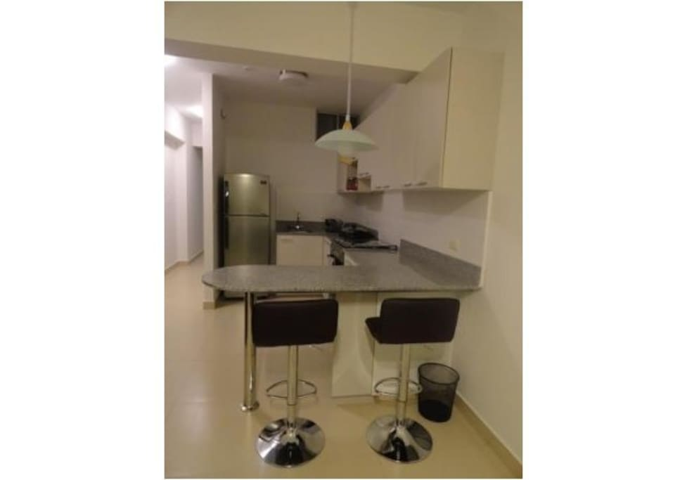 Cocina bien implementada / Kitchen with all the furniture needed