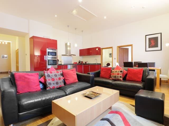 KESWICK LOFT, pet friendly in Keswick, Ref 972360