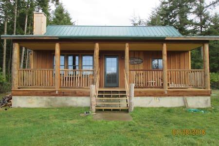 The Dog Tired Inn- Farm Guest House - Oak Harbor - Maison