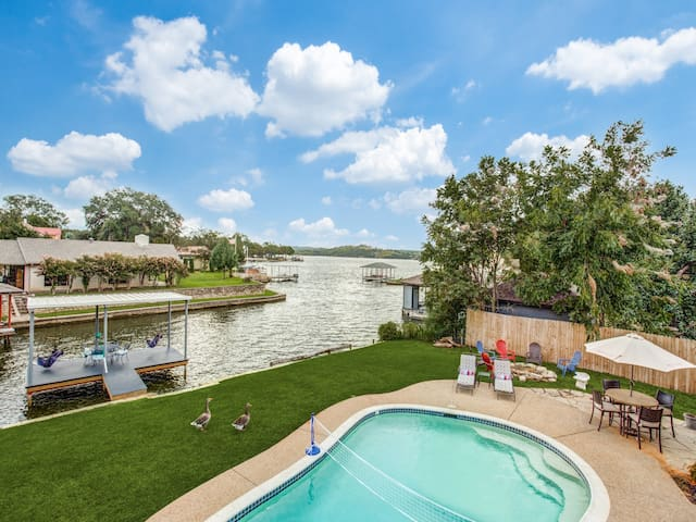 SPACIOUS Granbury lakehouse w pool