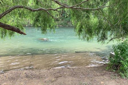 River RV · River Front RV Getaway - Camp, Fish, Canoe, Float!