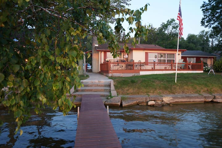 Big Platte Lake Cabin - Honor - Casa