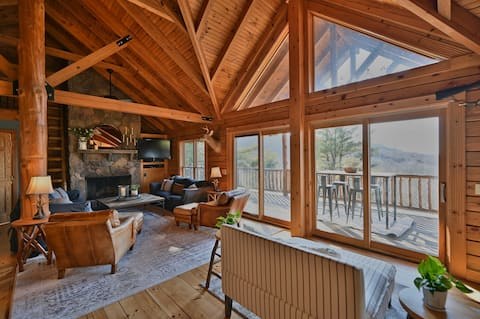 Luxury Log Home - Hot tub/Lake View/Lake Amenities