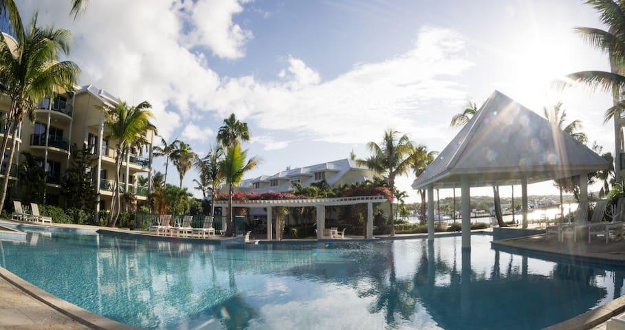 Yacht Club Panorama Suite