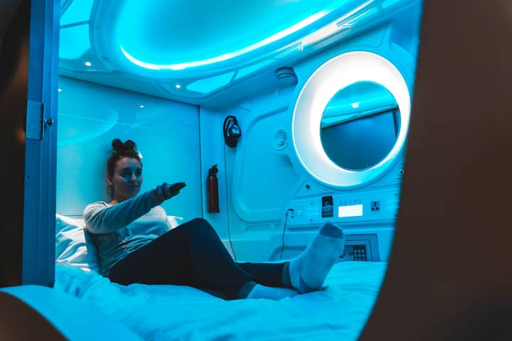24 Bed Dorm: Comfort and Privacy in a Sleeping Pod