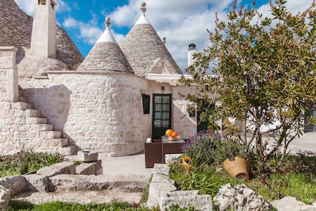 Trullo of 1800 in the Itria Valley - Cisternino, Brindisi - Casa