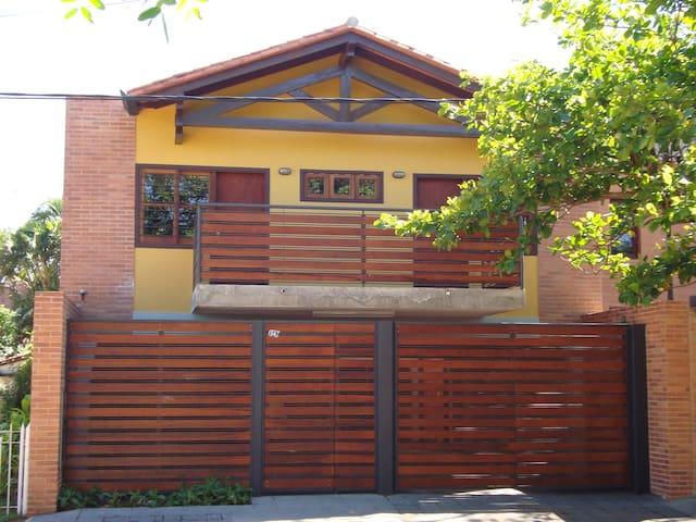 Alquiler Dpto Asuncion zona Villa Morra