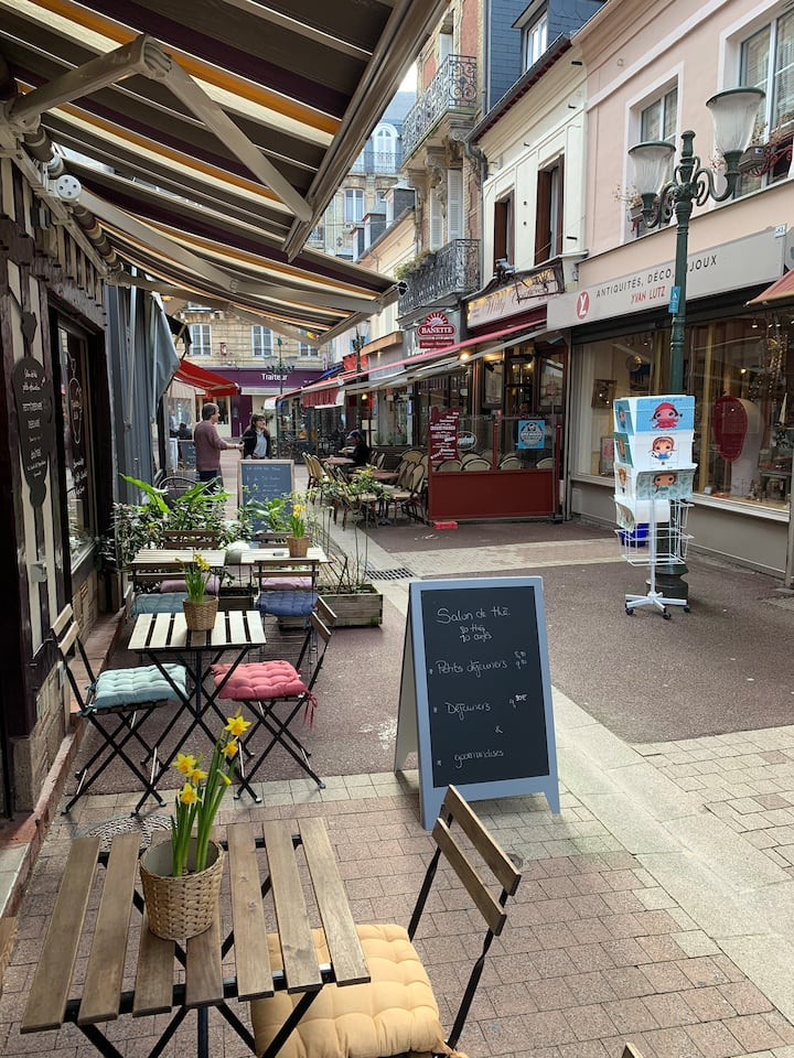 Les Toits de la rue des Bains