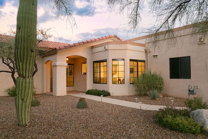 Oro Valley Oasis 2 BR Townhouse/ Sun City/ Tuscon