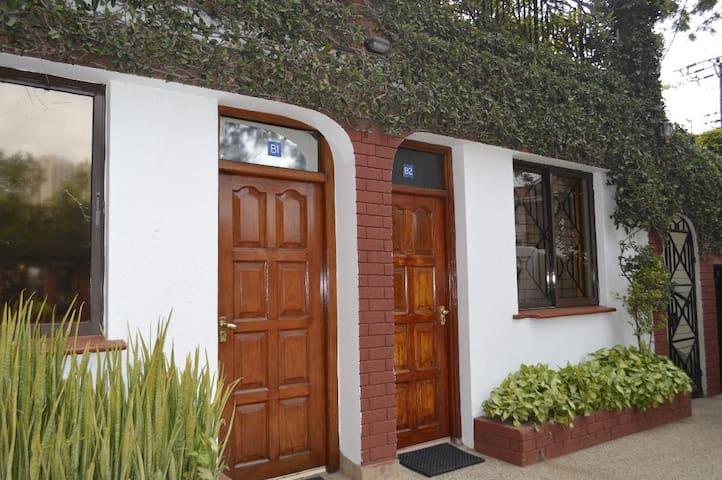 B1 Studio 1 bedroom Apt fully furnished & serviced