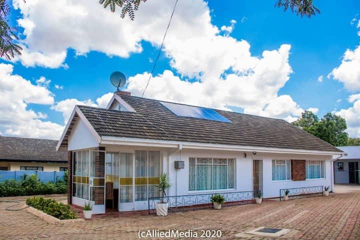 Spacious 3 BR house In Montrose , Bulawayo , ZW