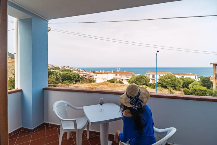 Véranda vue sur la mer, WIFI, AC, park - Cartoe