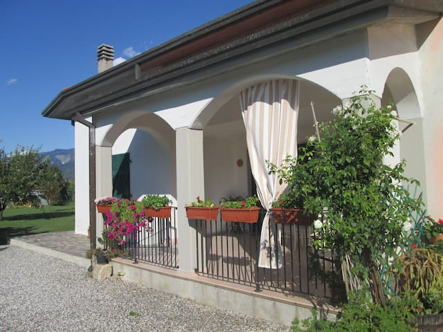Cottage in countryside near the sea - Ameglia - Rumah